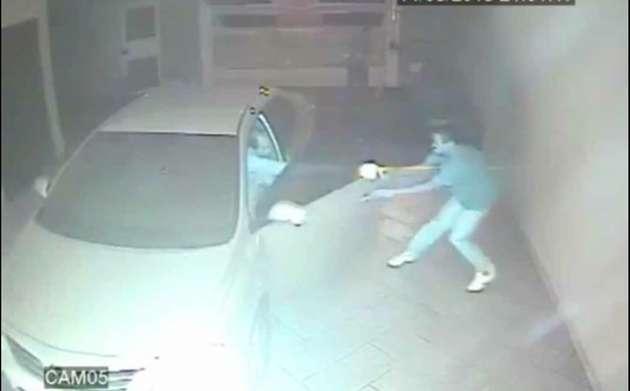 Video captado mientras acribilla a hombre con arma de fuego